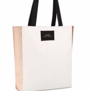 Marc Jacobs Daisy Beige Off White/Gold Tote Bag